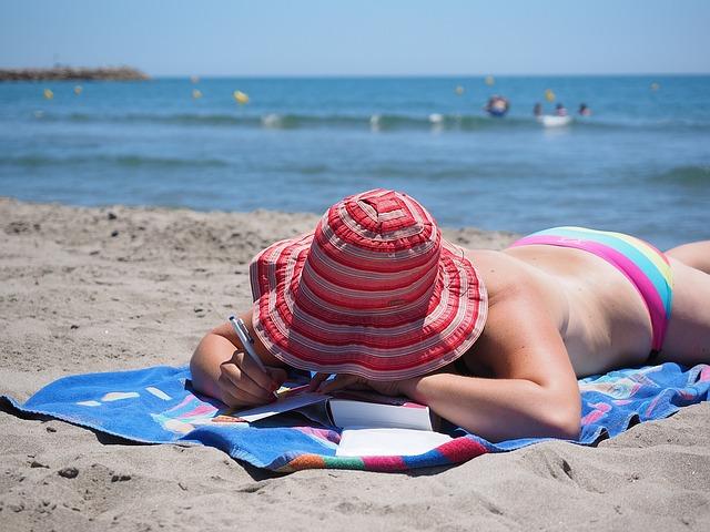 Am Strand Postkarten schreiben
